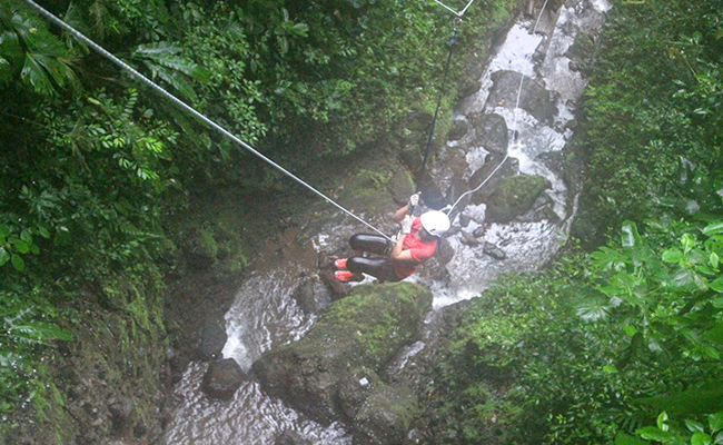 Canyonign-in-Costa-rica